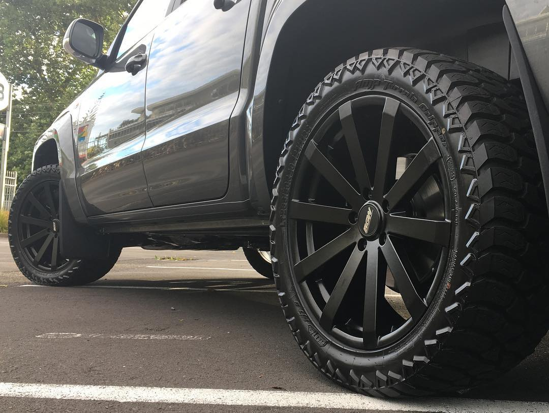 VW Amarok on BGW VM12 with AMP Tyres